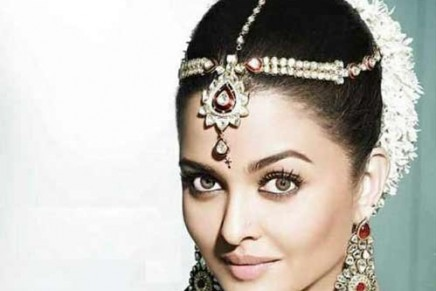 10 Indian Bridal Hairstyles